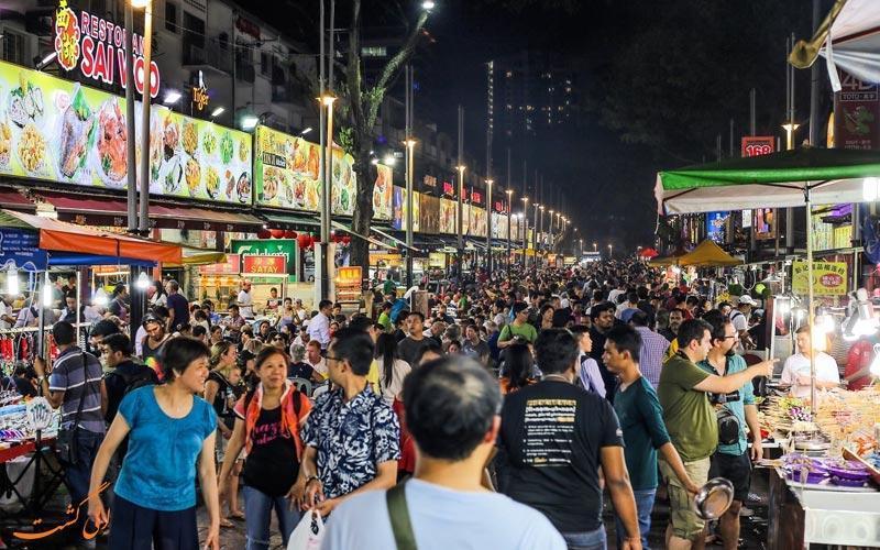 غذاهای اشتها آور مالزی در خیابان جالان آلور کوالالامپور