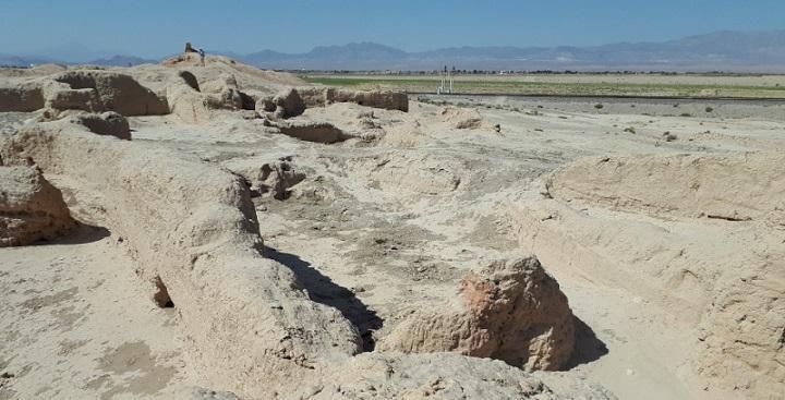 شروع سامان دهی بدنه و بخش های تاریخی مجموعه تپه حصار دامغان