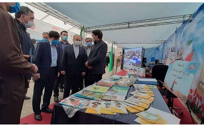 نمایشگاه هفته دفاع مقدس آموزش وپرورش میزبان وزیر ورزش و جوانان بود