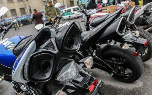 توقیف 4 موتورسیکلت سنگین به دلیل حرکات نمایشی خطرناک در تهران