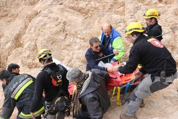 5 ساعت تلاش برای نجات 4 کوهنورد گرفتار در قلعه شاهدژ صفه