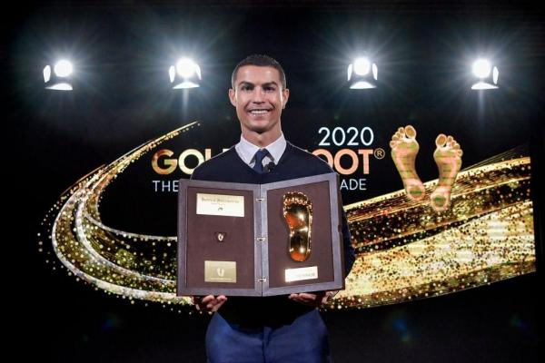 کریستیانو رونالدو برنده جایزه پای طلایی 2020