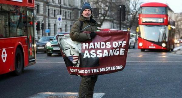 انگلیس درباره استرداد آسانژ به آمریکا فردا تصمیم می گیرد