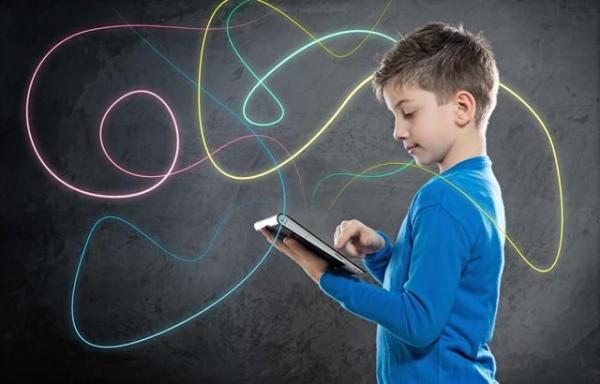 فراوری محتوا در کنار آموزش راه صیانت از بچه ها در فضای مجازی است