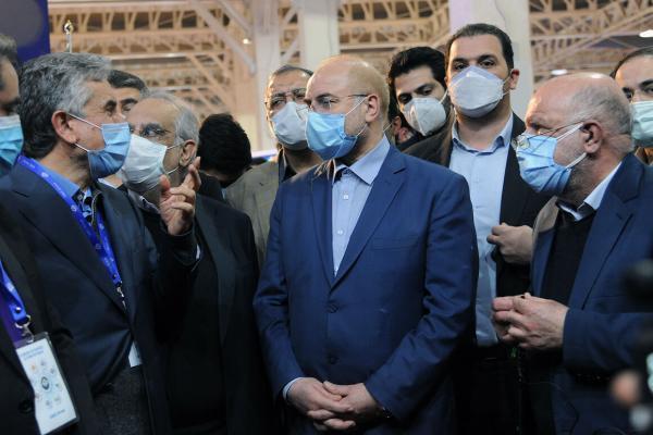 رئیس مجلس از بیست وپنجمین نمایشگاه نفت ایران بازدید کرد