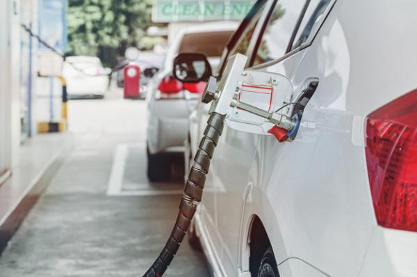 چرا فراوری خودرو های دوگانه سوز از سوی خودروسازان داخلی کاهش یافته است؟